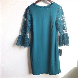 Donna Ricco emerald green lace sleeve dress